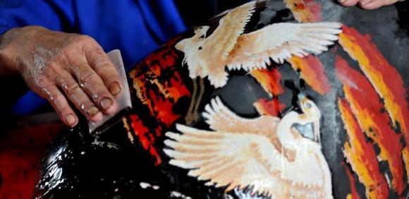 鄱阳脱胎漆器非物质文化遗产的生产性保护研究