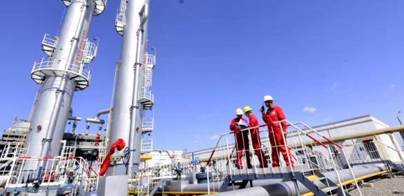 油气储运设施对石油化工品码头操作安全性的影响