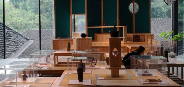 关于现代工业设计和中国传统民间工艺的比较