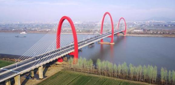 公路桥梁中大跨度桥梁设计研究