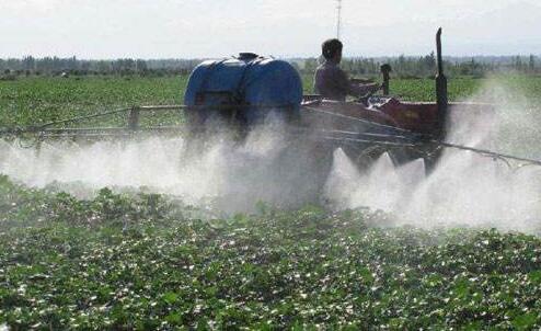 化 学农 药对环境 的污染及防控对策