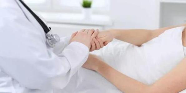 妇产科整体优质护理在防控妇产科综合病房院内感染中的效果