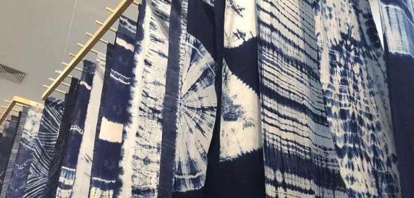 扎染艺术在现代服饰中的创新表达