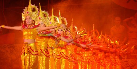 """傣族""""长甲舞""""的跨境对比与分析 ——以孟连与泰国为例"""