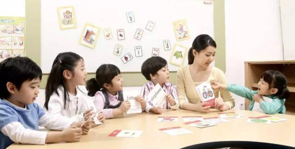 幼儿保育专业现状和对发展的思考