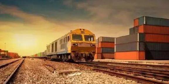 低碳运输下公路转铁路货物运输的对策研究