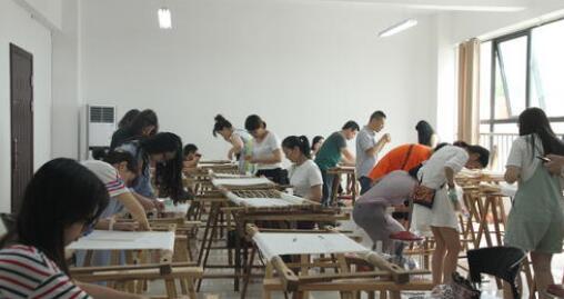 高校艺术教育与人才培养规格关系分析