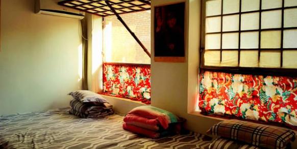 浅析山西传统民居中炕上家具的装饰特征